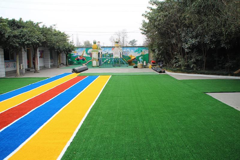 幼儿园塑料草坪价格及铺装价格