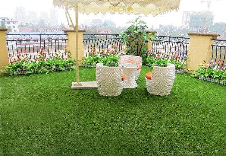 人造草坪行业