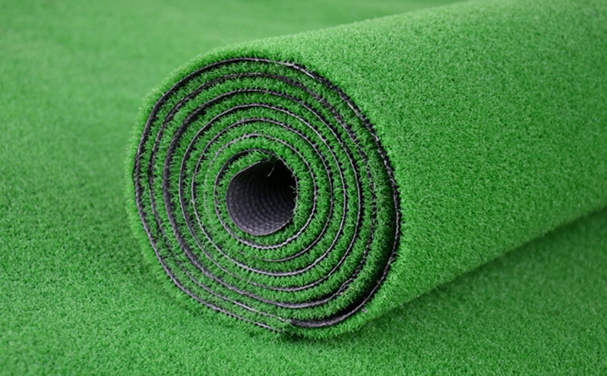 如何选择适合的人造草坪
