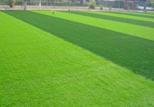 足球场人造草坪的几点要素