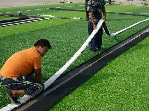 人造草的铺装流程